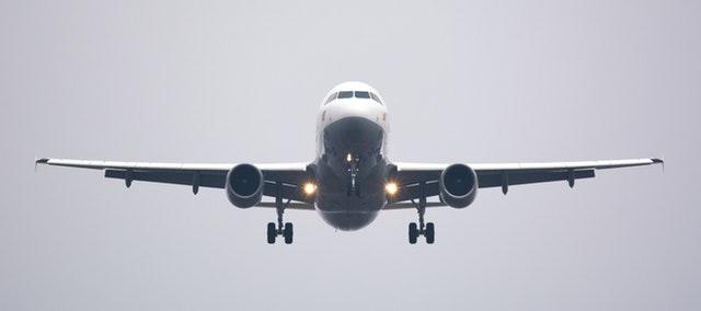 Aerolíneas de EU rechazan que se usen sus aviones para separar familias