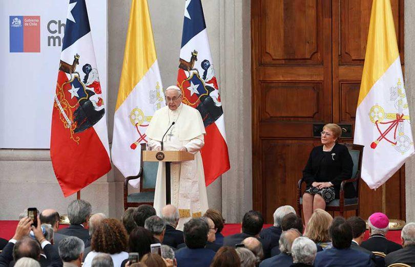 El papa pide perdón por casos de abuso infantil3