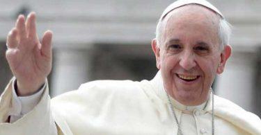 Papa Francisco llama al Foro Davos a asumir responsabilidad ante la pobreza