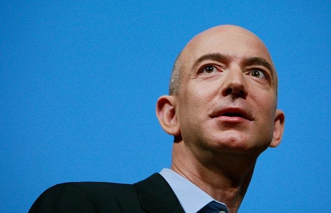 Jeff Bezos fundador de Amazon una de las empresas BAADD
