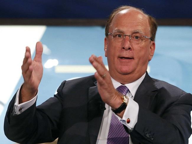 ¿Quién es Larry Fink, el inversor más poderoso del mundo?