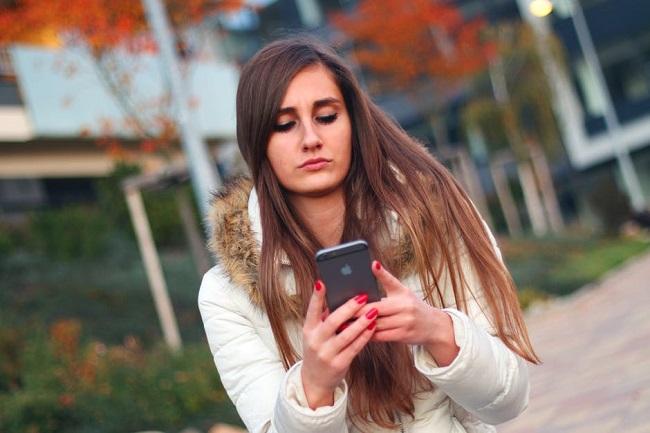 Como las redes sociales afectan el comportamiento de los adolescentes?