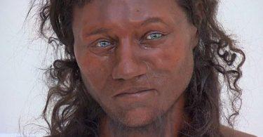l británico más famoso y antiguo era de piel oscura y ojos azules