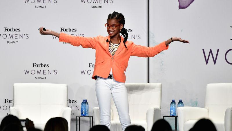 Niña de 12 años quiere borrar el racismo de los libros infantiles