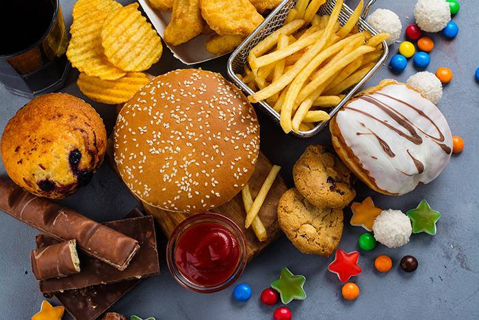 Regulacion a marcas de alimentos en chile