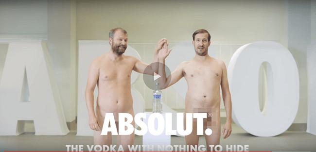 Ser marca transparente significa desnudarse para Absolut. Y muchas otras cosas