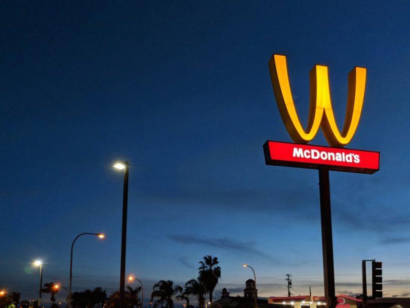 Falla McDonald's en campaña de marketing de género