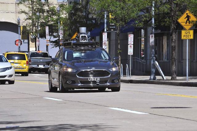 Suspenden autónomos Uber en Arizona