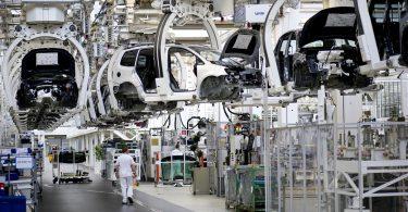 Volkswagen adaptará plantas para fabricar eléctricos