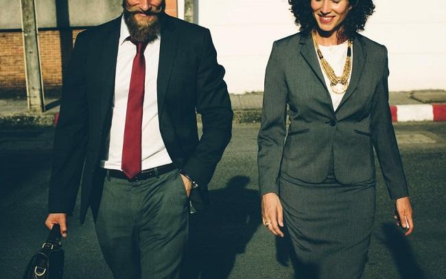 Encuesta de Covestro CEOs hablan de negocios con proposito