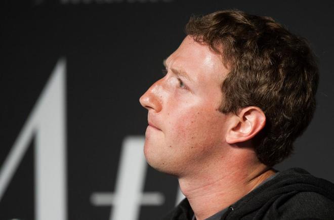 Accionistas piden que Zuckerberg deje la presidencia de Facebook