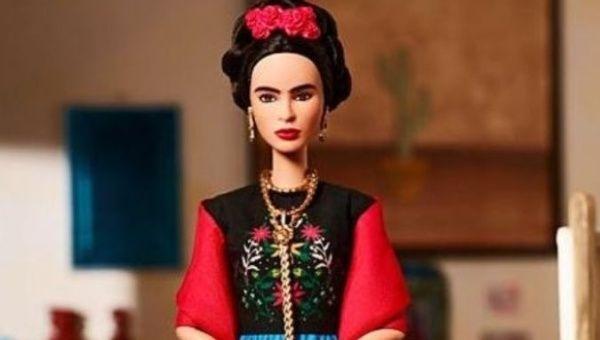 Por qué un juez prohibió la venta en México de la muñeca Barbie de Frida Kahlo