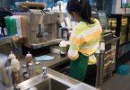 Starbucks cierra tiendas por racismo