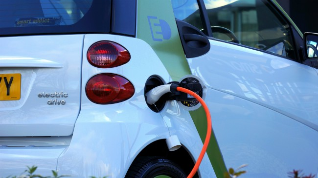 Un coche eléctrico requiere aproximadamente 4 veces más cobre que un motor de combustión interna.