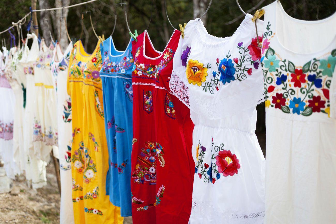 Marca de ropa usa dise os mexicanos y es acusada de for Ropa de diseno online