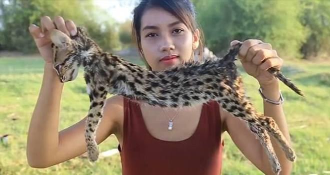 YouTuber detenida por comer especies protegidas