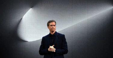 """CEO de Nike se disculpa por la """"cultura masculina"""" de la empresa"""