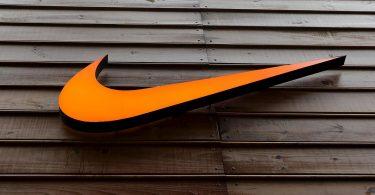 Ejecutivos dejan Nike tras investigaciones por acoso