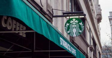 ¿Por qué Starbucks es un líder en RSE y manejo de crisis?