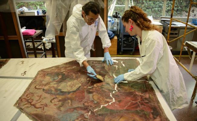Restauración de pinturas dañadas por 19S