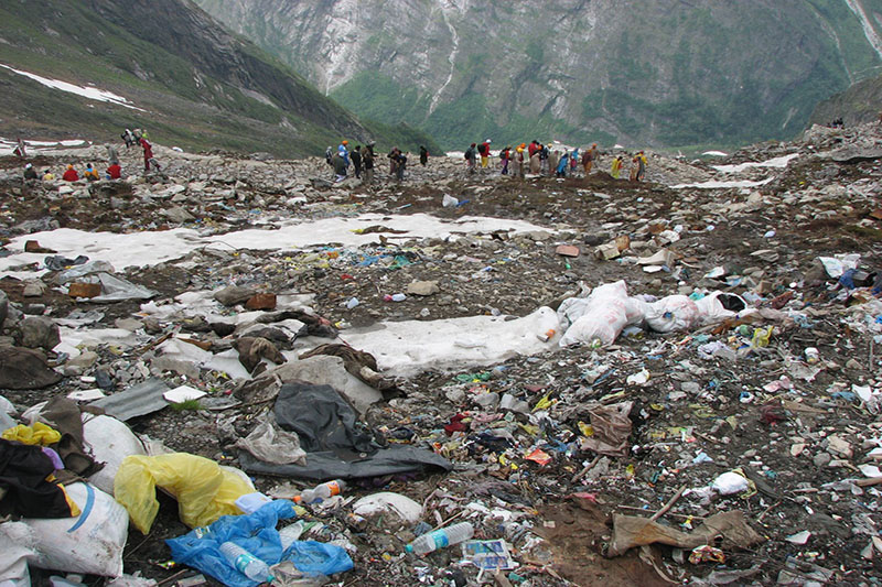El basurero de los alpinistas Monte Everest