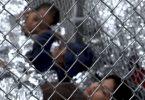 """Separan a niños de padres migrantes en EE.UU; los """"enjaulan"""""""