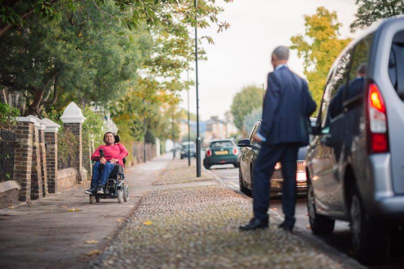 Uber estrena servicio para personas con discapacidad en 8 ciudades