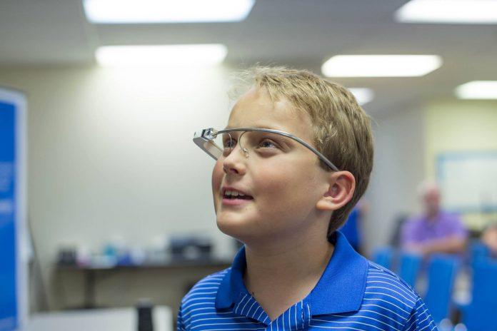 Google Glass a favor de niños con autismo, les ayuda a reconocer sus emociones