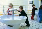 Higiene adecuada en las escuelas, 900 millones de niños carecen de ella: Unicef