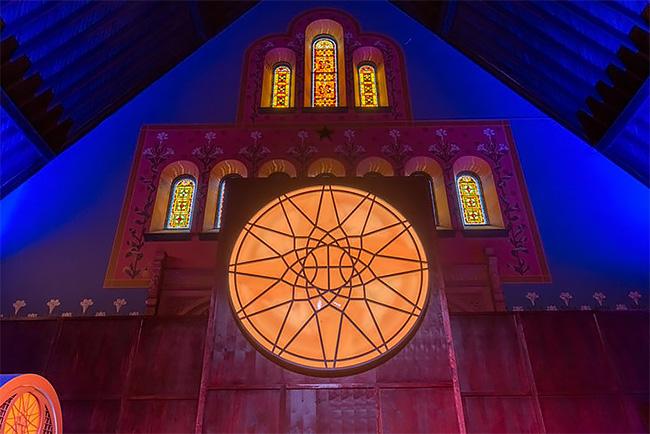 Iglesia se convierte en cancha de básquet