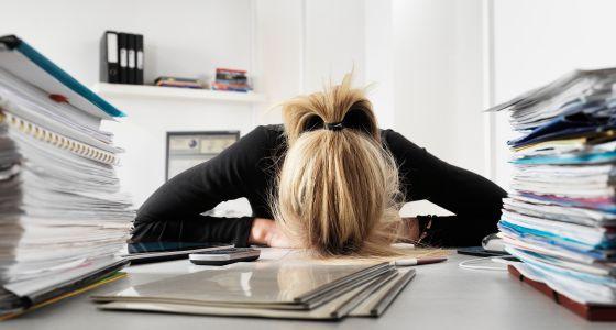 La causa del estrés laboral puede ser el tamaño de tu lugar de trabajo
