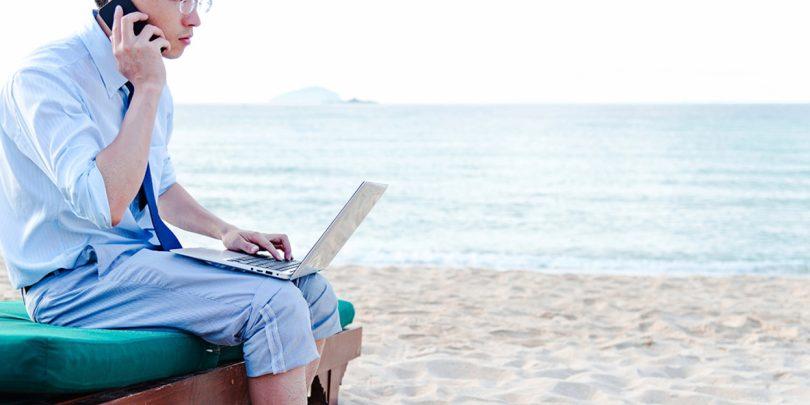 Responder correos laborales en vacaciones
