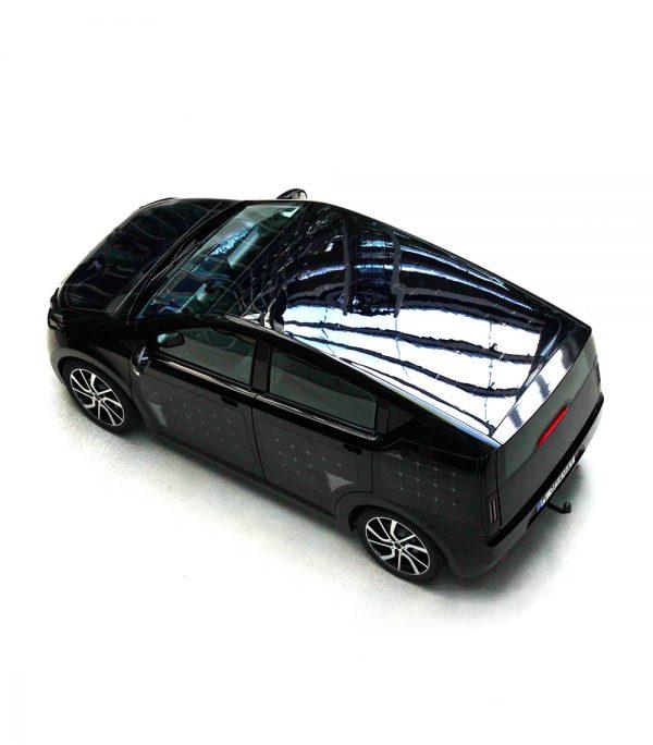 El diseño exterior de Sion el primer coche electrico que se recarga en el sol