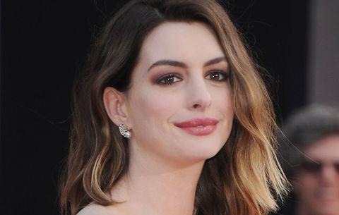 Anne Hathaway promueve la igualdad de género