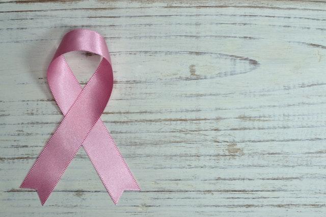 Acelerando en la batalla contra el cáncer de mama