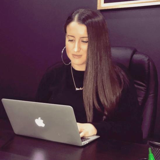 ser un CEO, mujer e hispana caso Sasha Pisterman