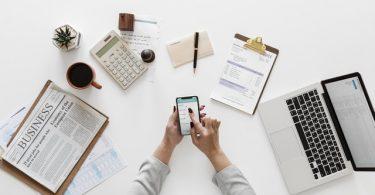 mujer en el ámbito del emprendimiento financiero