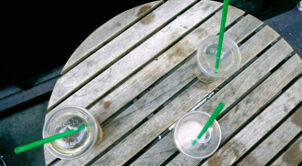 Losdesechos de Starbucks deben disminuir pero primero hay que resolver todos los desafios