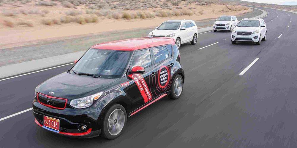 Auto eléctrico vs auto a gasolina pero eficiente
