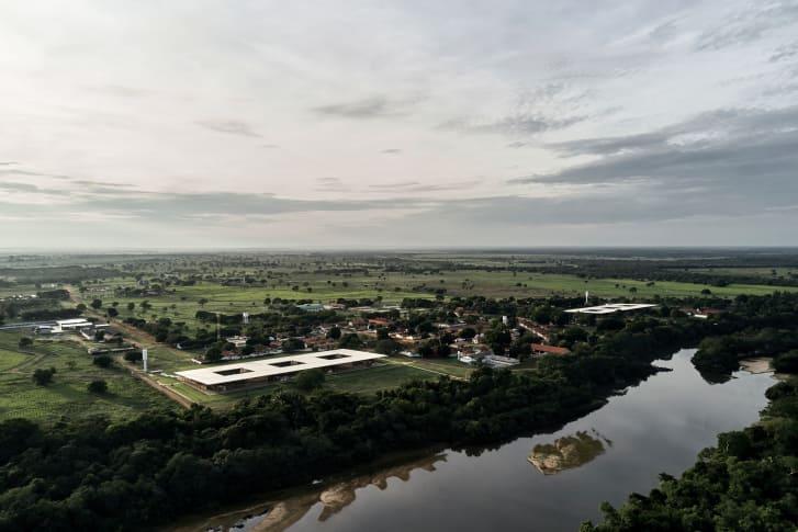 Escuela rural brasileña gana premio al mejor edificio del mundo