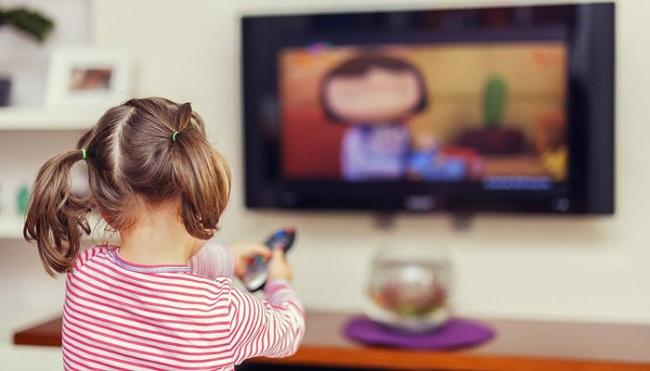 Apagar el televisor para tener un niño cero consumista