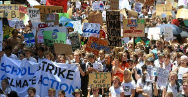 Niños protestan vs el cambio climático