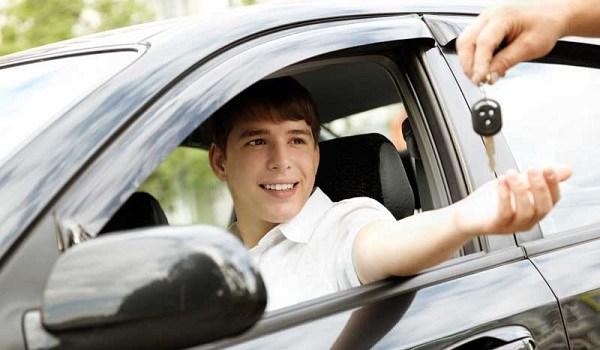 10 tips de manejo seguro para adolescentes