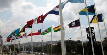 Empresas privadas o estatales, lo que prefieren los latinoamericanos