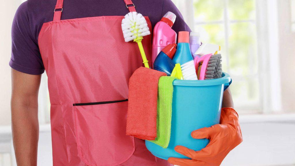 Hombres dedicados a trabajo doméstico: ¿discriminados?