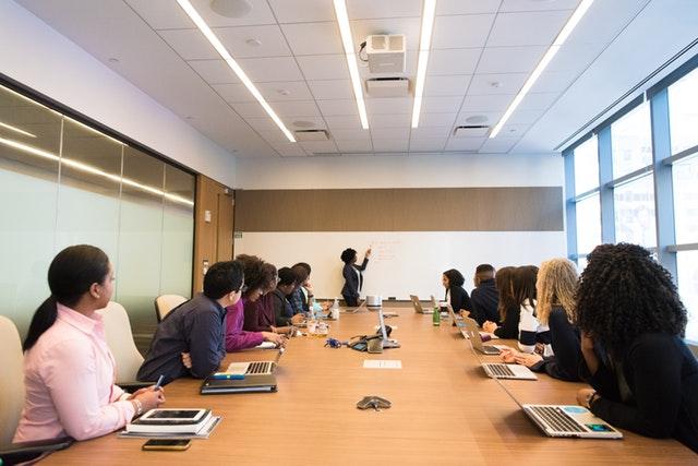 Las mejores empresas para mujeres y millennials
