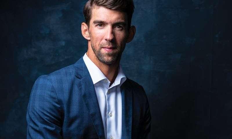 Michael Phelps recibe medalla