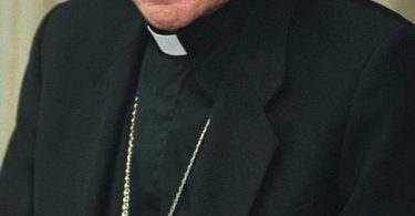 Opus Dei paga casi un millón de USD por proteger sacerd