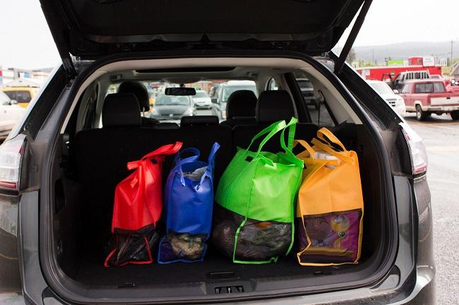 Cómo ser un conductor sustentable usar bolsas reutilizables
