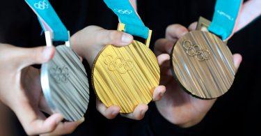 Medallas olímpicas con desechos electrónicos reciclados